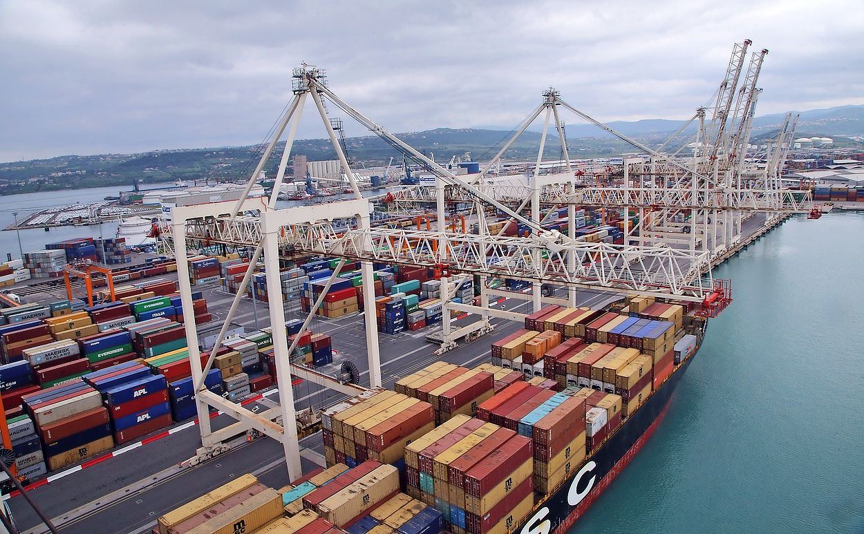 Design, Cost Estimates and Implementation Plan for Koper Container Terminal Expansion